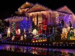 Красива Коледна Украса на Къща